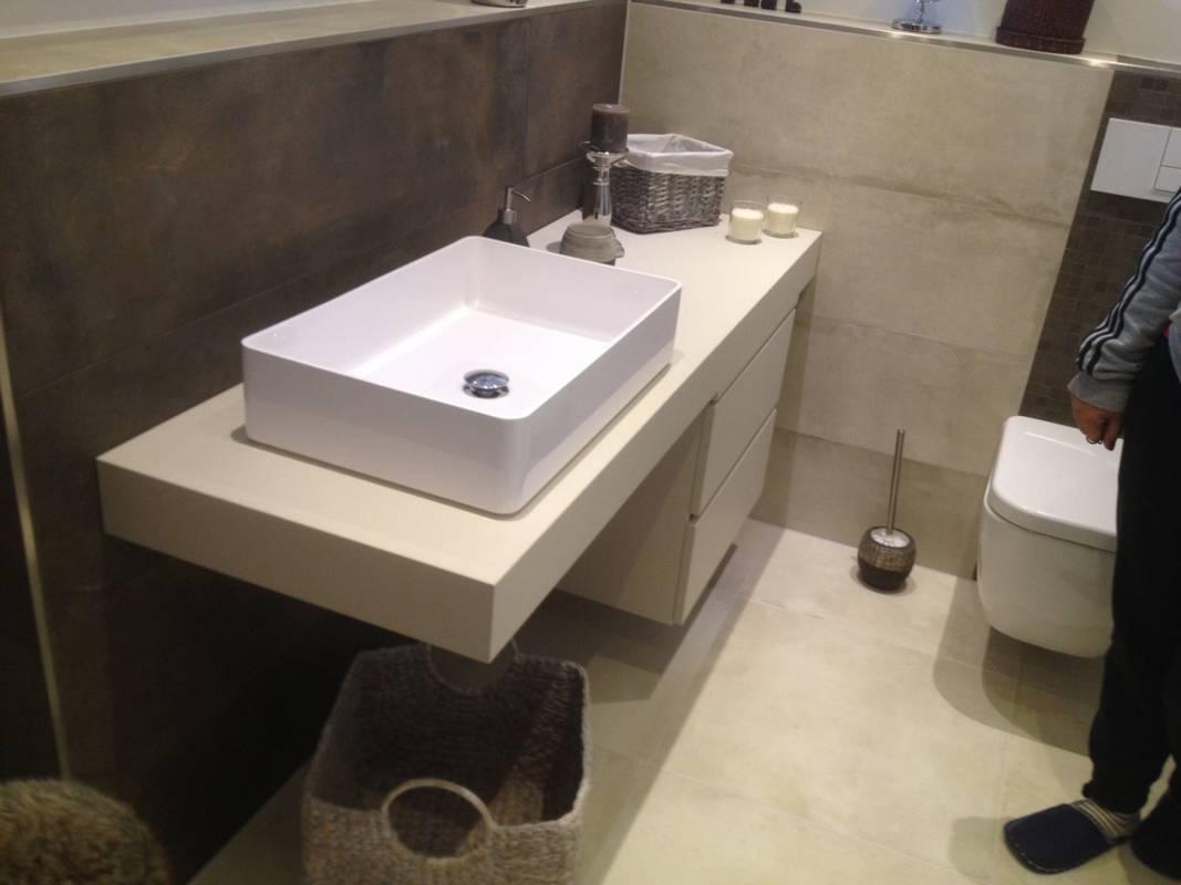 badm bel stilon waschtischunterplatte mit unterschrank in. Black Bedroom Furniture Sets. Home Design Ideas