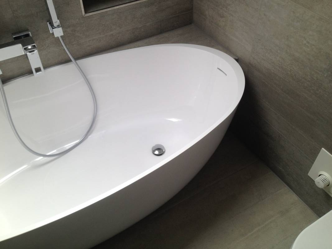 """Kundenbild 7 Mineralguss Badewanne """"Relino""""aus Solid Surface in Glanz oder Matt 1700x800x500 mm"""