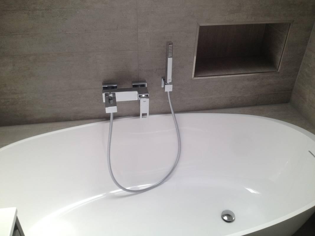 """Kundenbild 2 Mineralguss Badewanne """"Relino""""aus Solid Surface in Glanz oder Matt 1700x800x500 mm"""
